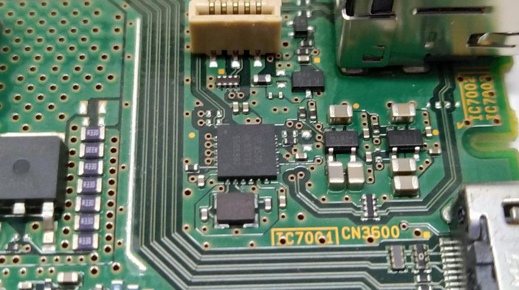 Обвязка IC7001 на плате 1-980-335-12