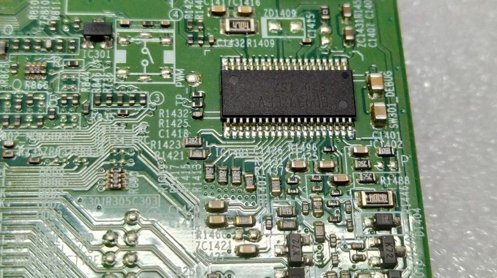 Уменьшить ток подсветки Samsung UE32J5000AK