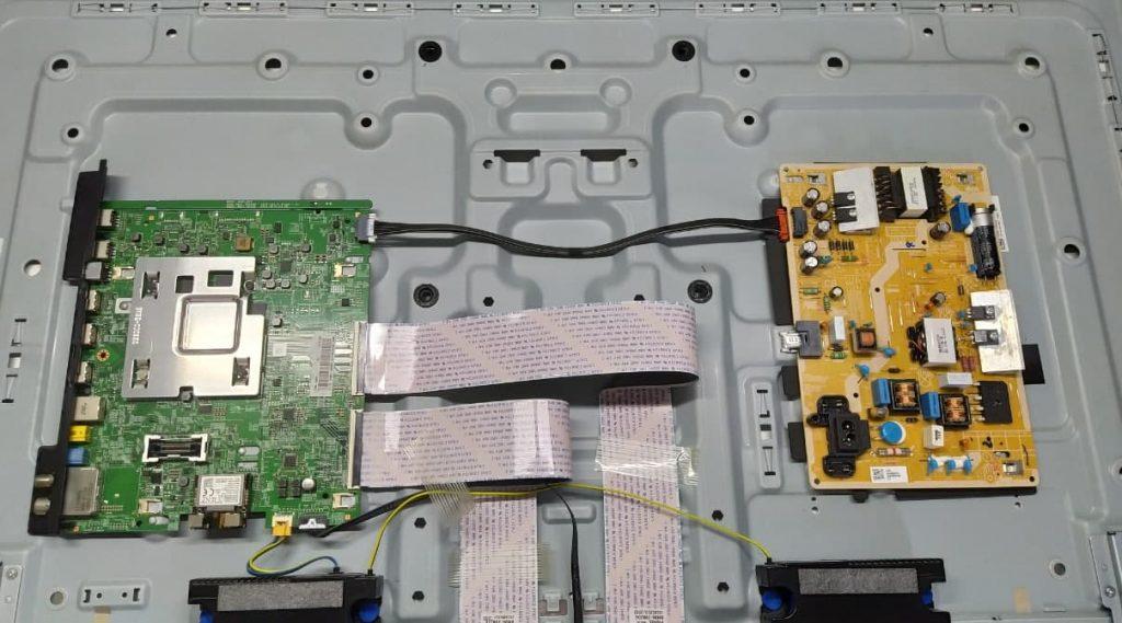 Ремонт Samsung UE43NU7120U. Не включается