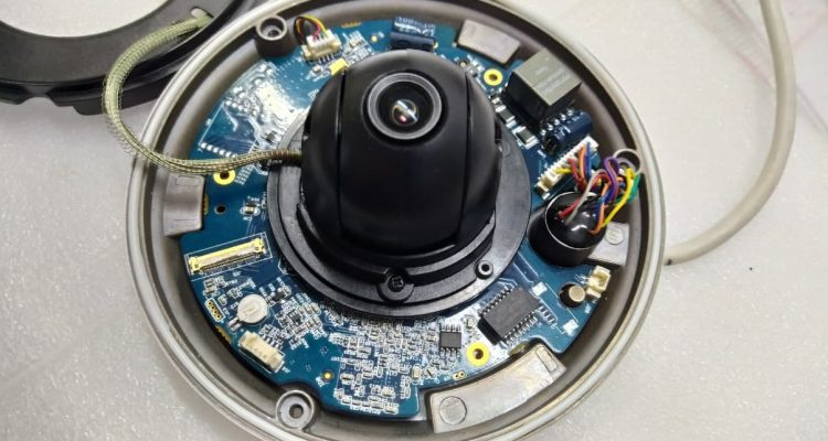 IP камера Dahua Tech не включается