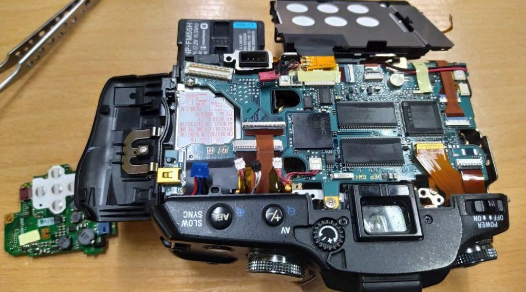Не включается Sony DSLR-A100